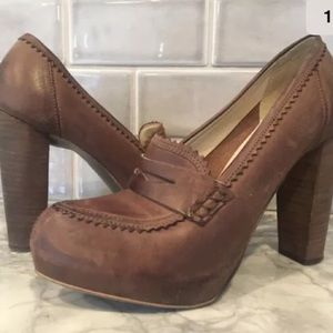 Boutique 9 platform heel penny loafer brown size 9